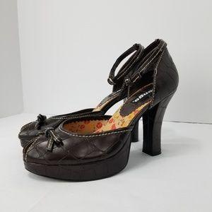f96f0b319fd0 Bongo Women Shoes Sandals on Poshmark